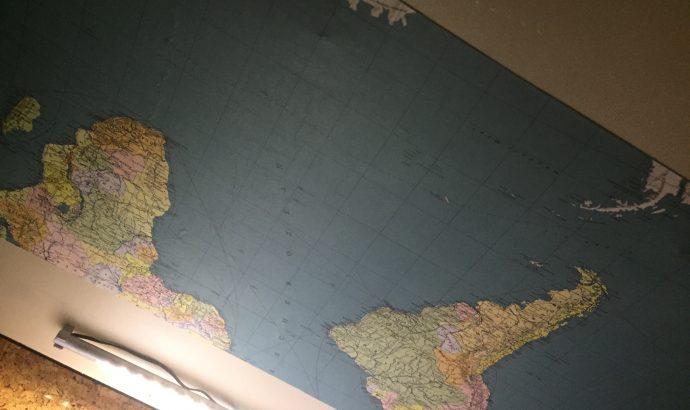 Deckenverkleidung/Holzabschlußleisten