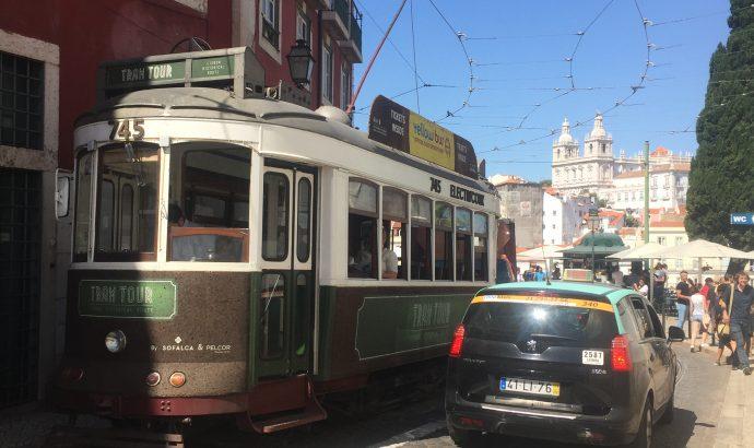 Lissabon- unterwegs im Zug